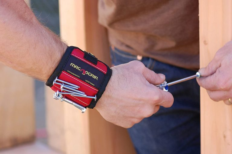 MagnoGrip Magnetic Wristband Red